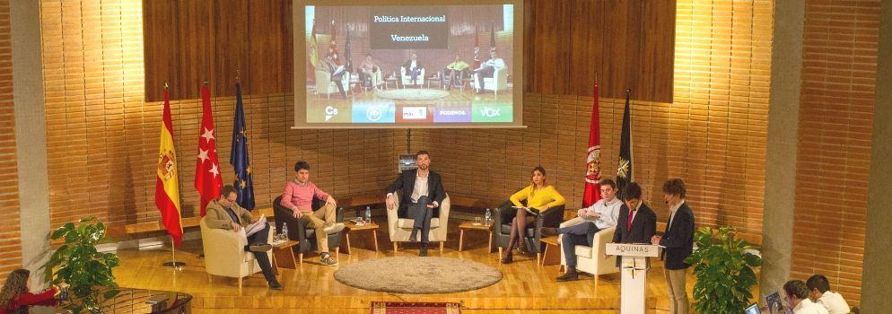 El Colegio Mayor Aquinas acoge una tertulia política con representantes de los principales partidos políticos