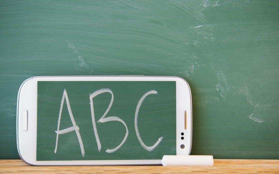 MUNDOS PARALELOS, ¿está la escuela preparada para el universo digital?